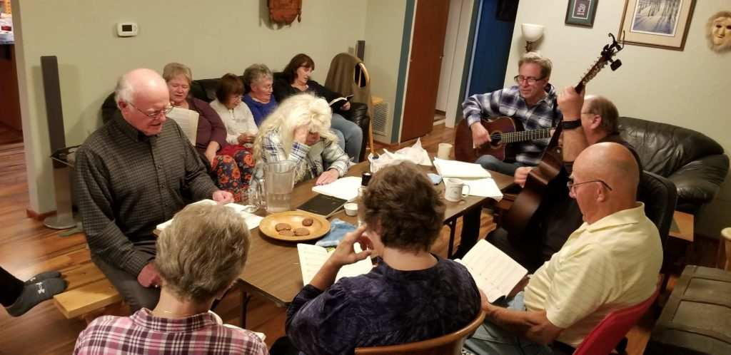 Home fellowship soup with friends Singing